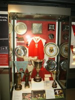 Arsenal museum pokalskab - Jeremy Couture FLICK