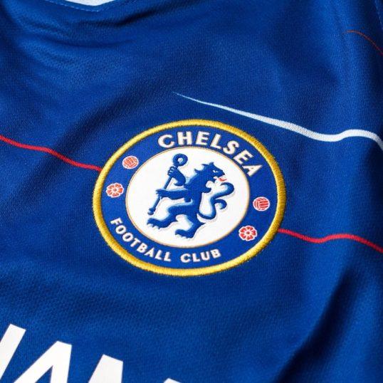 Chelsea trøje 2018-19 emblem