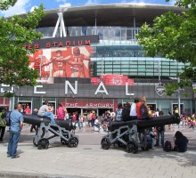 Udenfor Emirates Stadium - David Holt London - Flickr