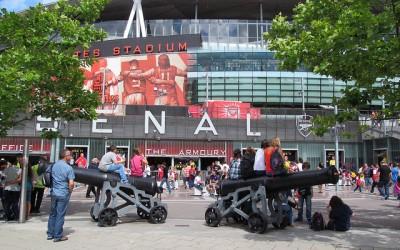 Udenfor Emirates Stadium - David Holt London - Flickr