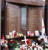Hillsborough memorial - Bruce Strokes - flickr.com