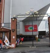 Hillsborough memorial og Shankly Gates - Bruce Strokes - flickr.com