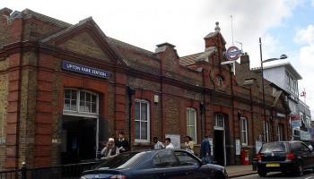 Upton Park Station - Kake Pugh - flickr.com