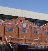 Holte End stand på Villa Park - ell brown - flickr.com