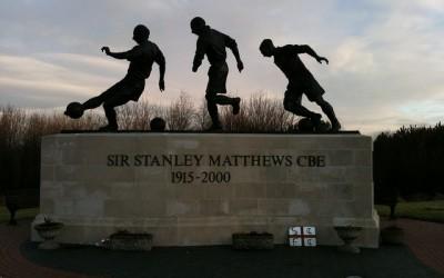 Sir Standley Matthew Statue - Stoke City - Richard_of_England - flickr